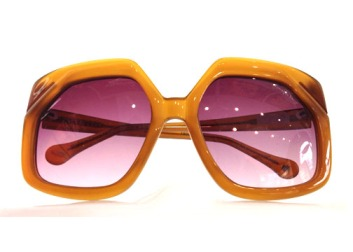 67e26a17a2 ... Chilli Beans The Art of Exclusive Eyewear Crack the Walnut