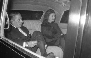 Aristotele-Onassis-1971-In-macchina-con-Jacqueline-Kennedy